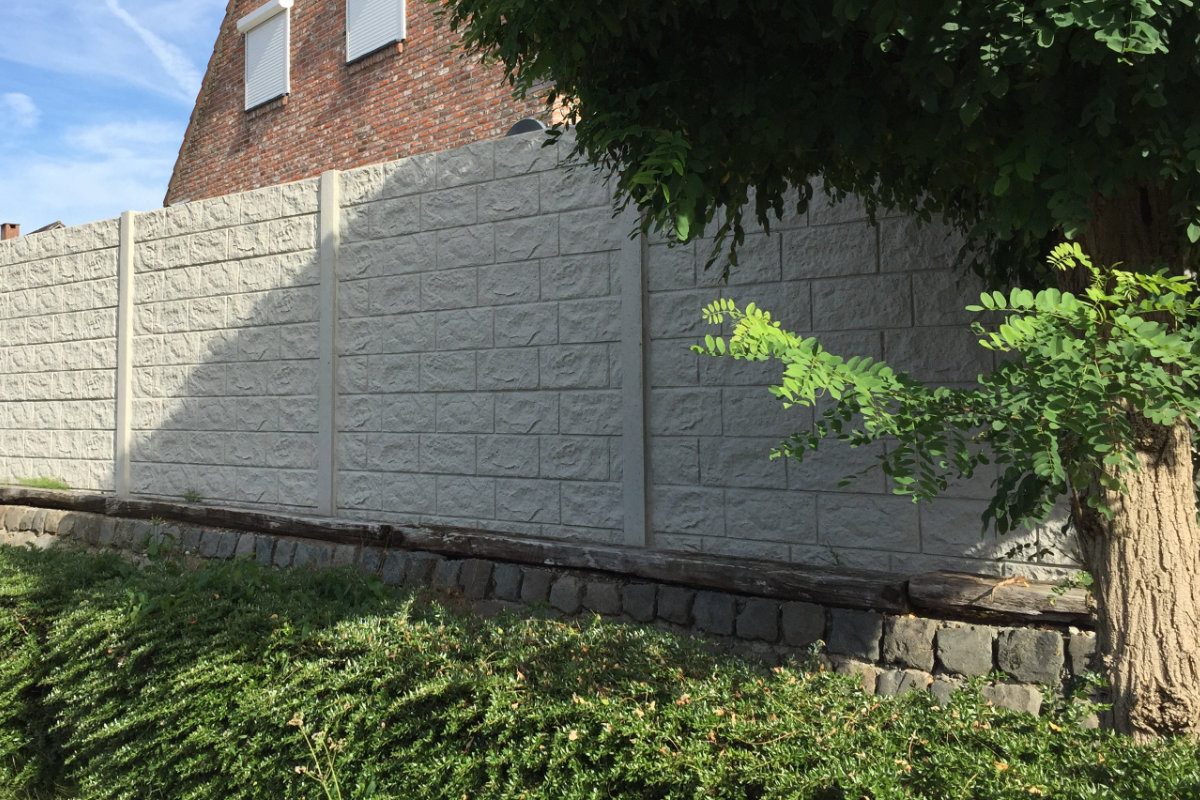 fence panel concrete